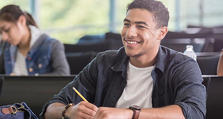 3 certificaciones universitarias que puedes obtener en CEST
